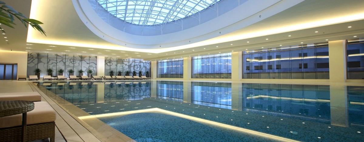大连酒店游泳池