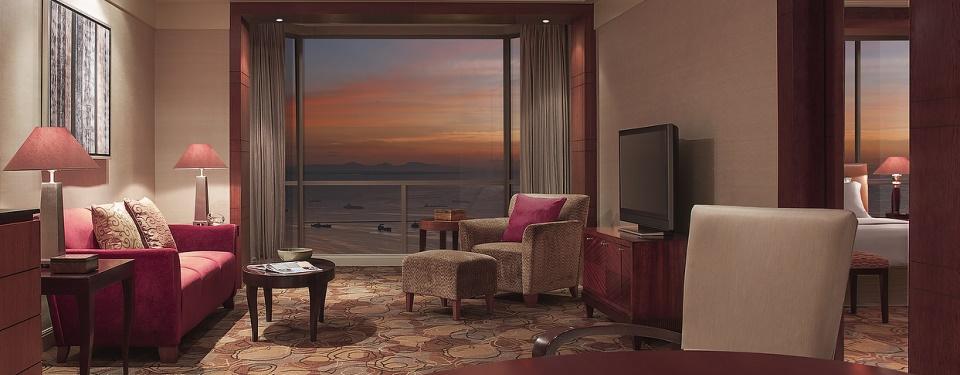manila bay hotel suites